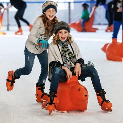 Kom schaatsen op de overdekte ijspiste bij Boudewijn Seapark Brugge!